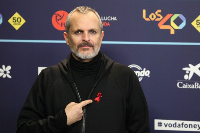 Singer Miguel Bose during the 40 Principales Music Awards in Barcelona , on Thursday 1 December 2016 en la foto : lazo sida