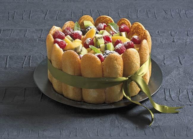 Charlota de frutas