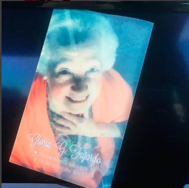 Este es el recordatorio de la madre de Gloria tras su fallecimiento, tras un tiempo enferma.