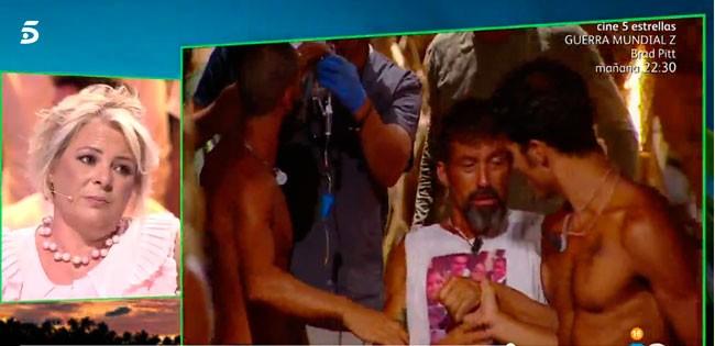 José Luis tuvo que ser ayudado por sus compañeros para entrar a la palapa.