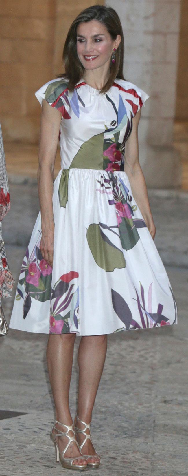 0d80baab99 Letizia  sus 10 vestidos de verano que querrías tener