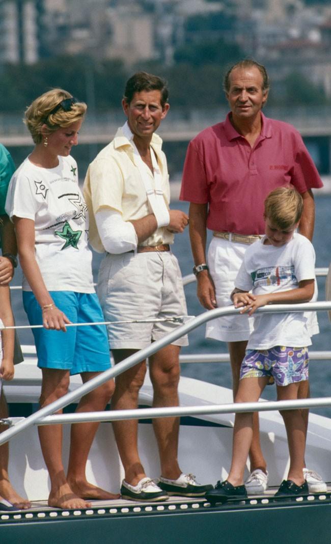 ¿Cuánto mide el Príncipe Carlos? / Prince Charles - Real height 4-palma2-90