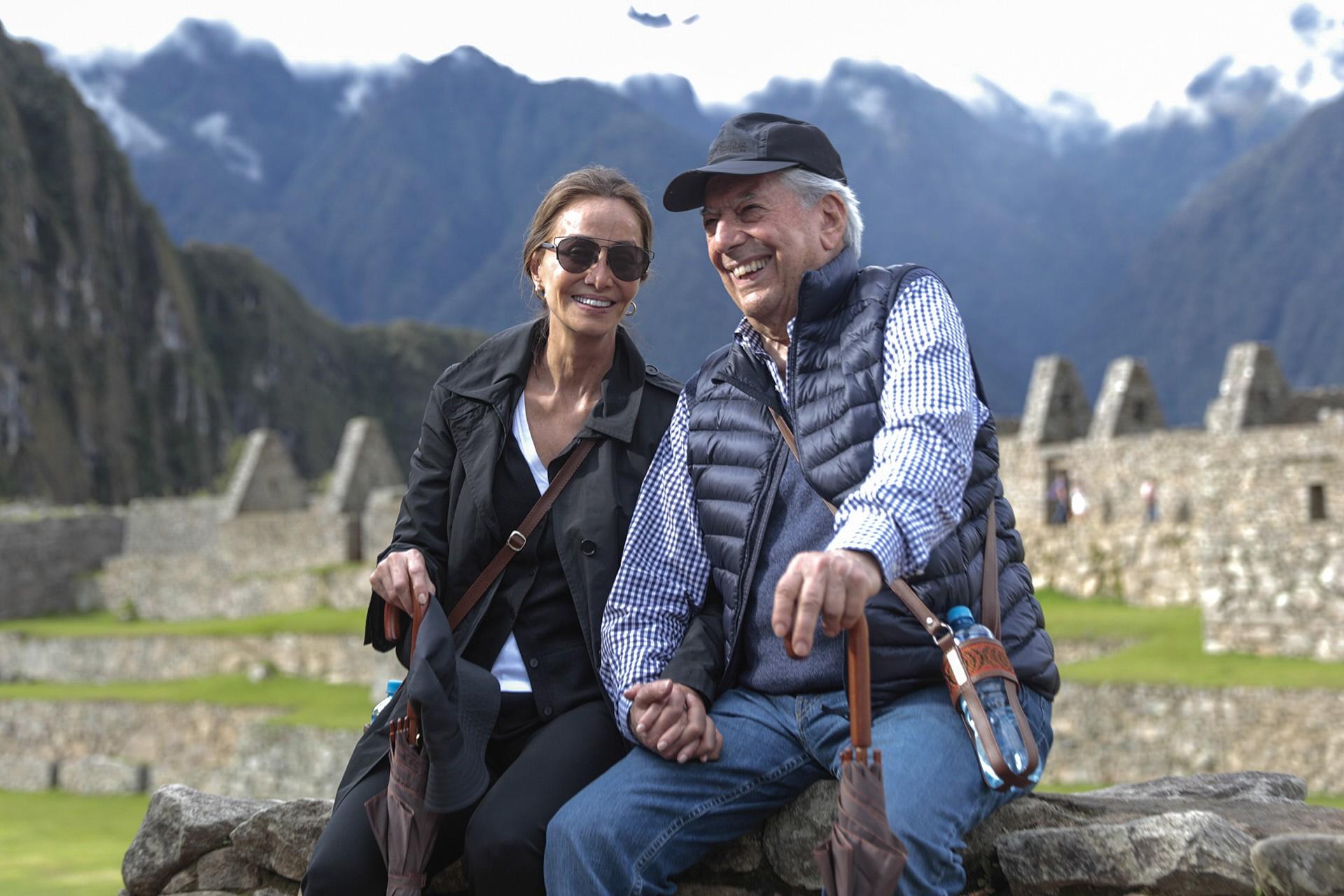 Preysler Saint Tropez Llosa En Vargas Mario Desconectan Isabel Y bv7Ygfy6