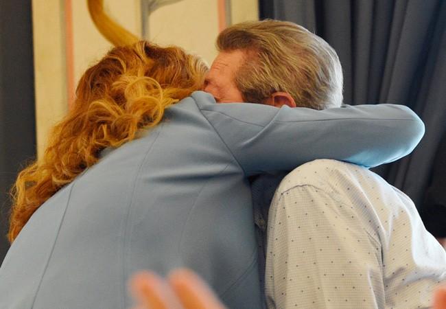 Pastora Soler: su emocionante abrazo a su padre que nos ha conmovido a todos