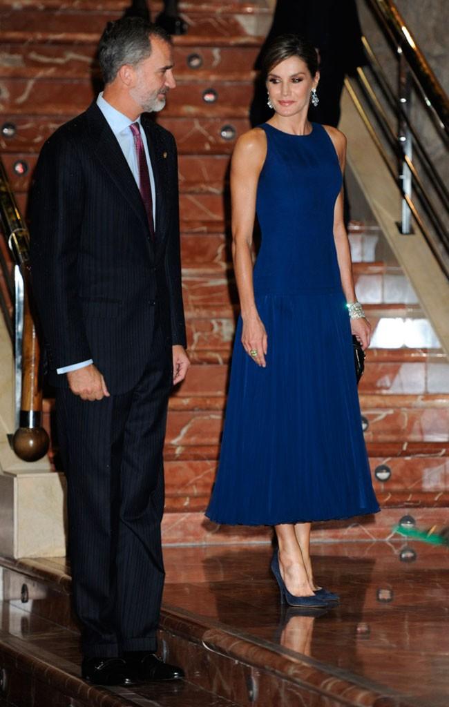 Vestido azul noche letizia