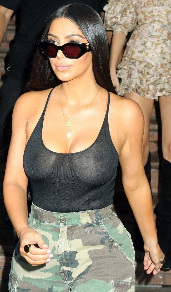 Kim kardashian vuelve a salir a la calle sin ropa interior for En la calle sin ropa interior