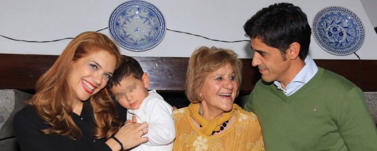 Carmen Bazán, cada día más unida a Víctor y más lejos de Jesulín