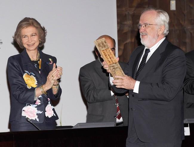 en-2012-la-reina-sofia-le-entrego-el-premio-fao