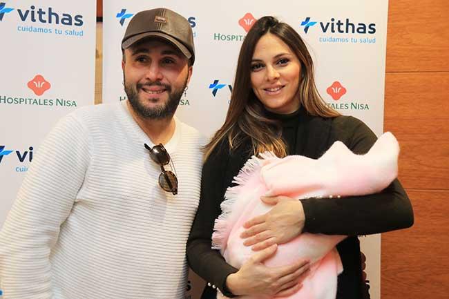 Irene Rosales publicita en Instagram las bondades del nuevo capazo de su hija