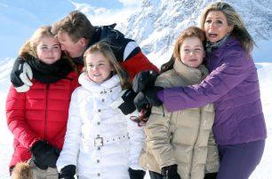 Los simpáticos momentos de Amalia, Alexia y Ariane de Holanda en la nieve