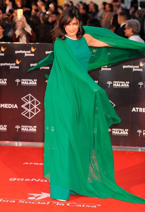 elena-sanchez-impresionante-con-un-diseno-en-verde-de-tom-hom