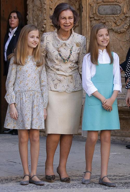 la-reina-sofia-presume-de-nietas