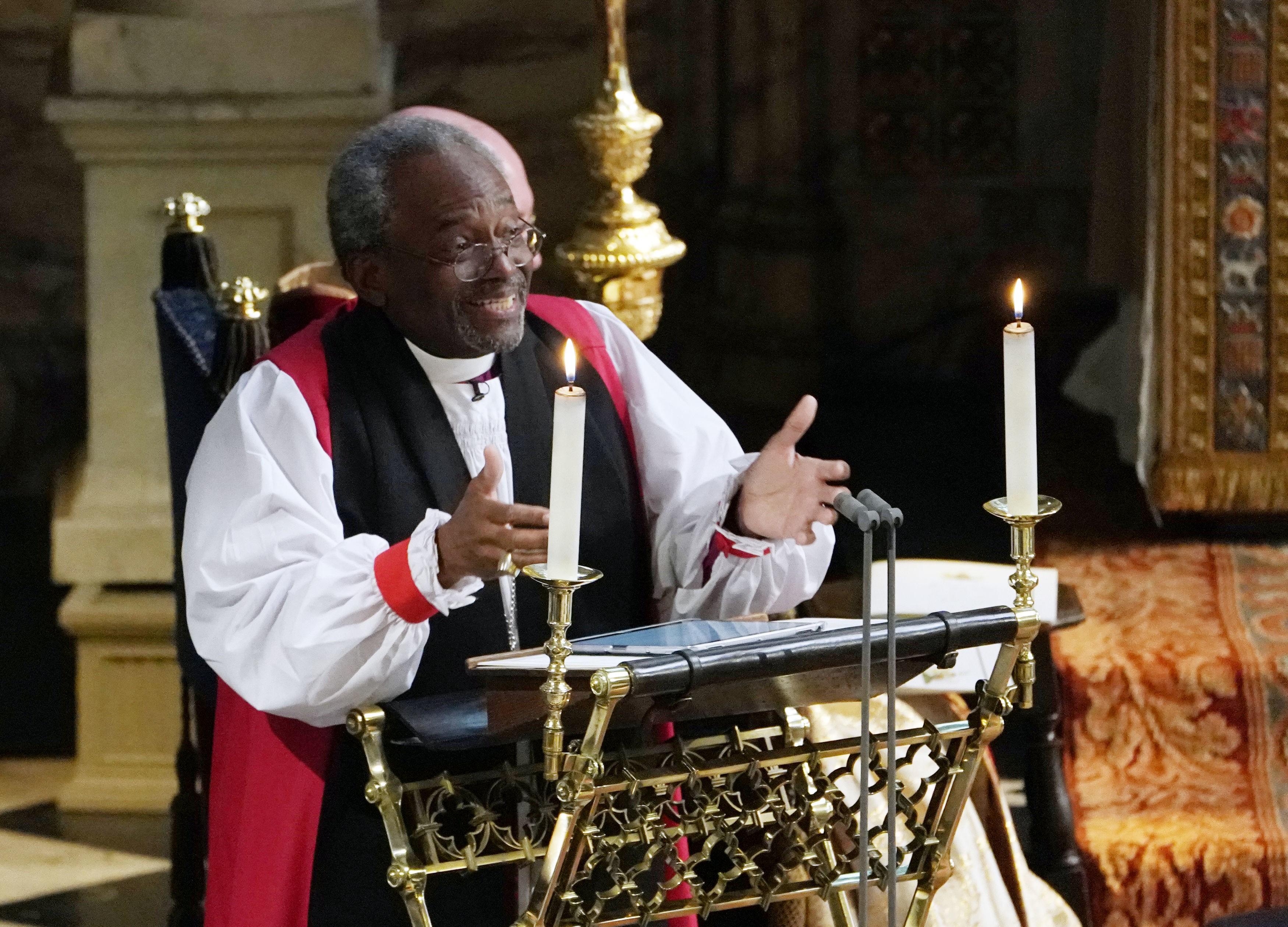 uno-de-los-obispos-que-oficio-la-ceremonia