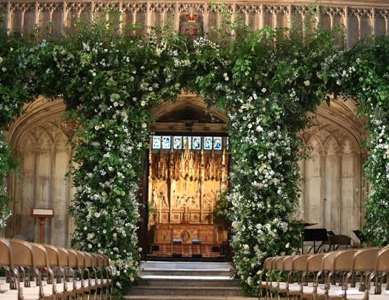 flores-muy-especiales-en-la-decoracion-de-la-iglesia