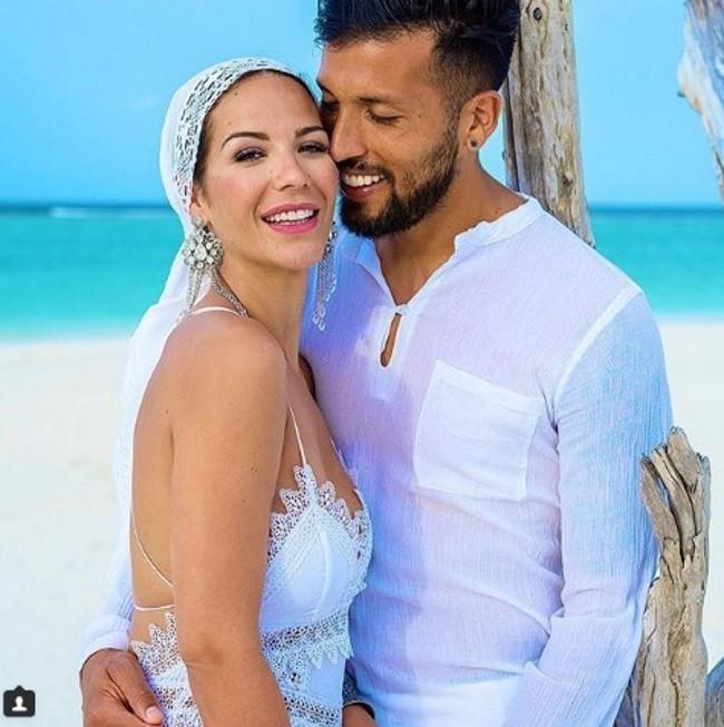 tamara-gorro-acaba-de-celebrar-su-sexto-aniversario-de-casada-con-el-futbolista-argentino-ezequiel-garay-con-una-reboda-en-las-maldivas