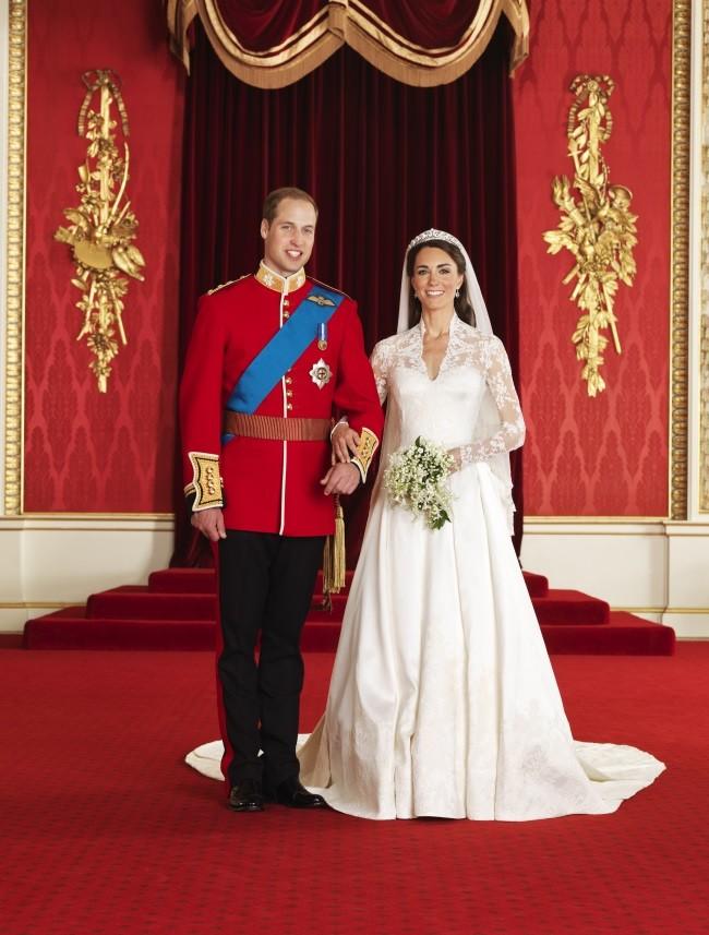 el-mayor-william-se-casaba-en-2011-con-kate-middleton-tomando-el-titulo-de-los-duques-de-cambrigde