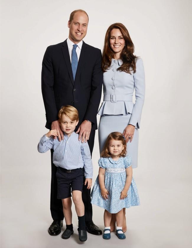los-duques-de-cambrigde-forman-una-familia-con-el-nacimiento-del-principe-george-y-la-princesa-charlotte