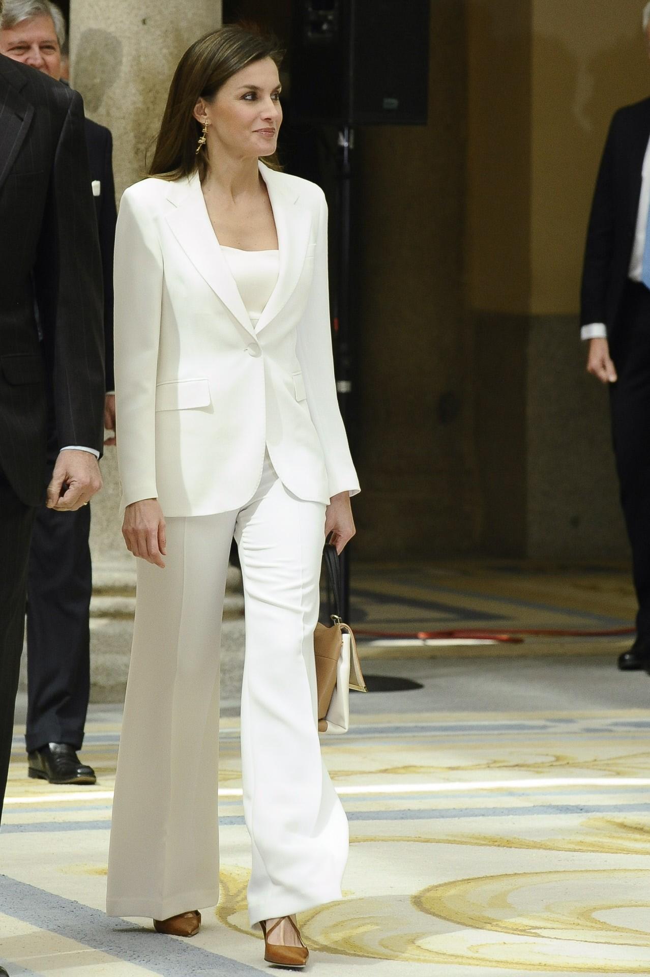 el-traje-blanco