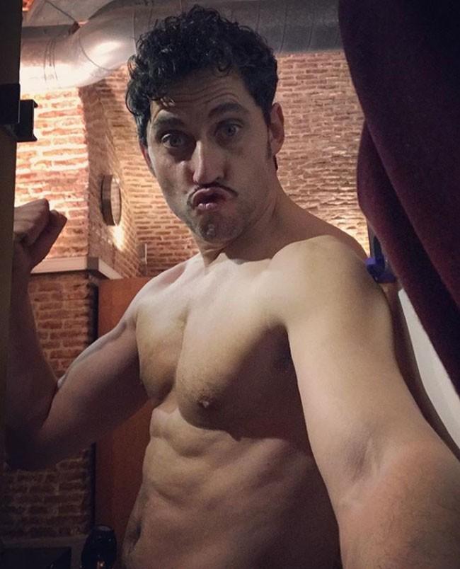 paco-leon-desnudo-en-una-imagen-de-instagram