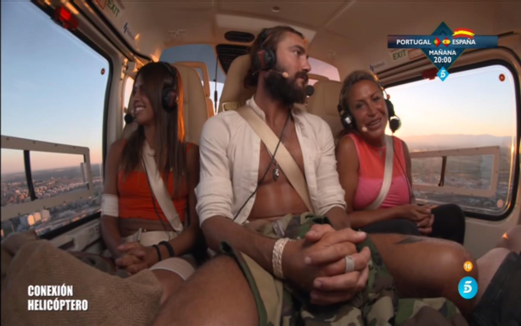 de-nuevo-los-tres-finalistas-llegaban-a-mediaset-en-helicoptero
