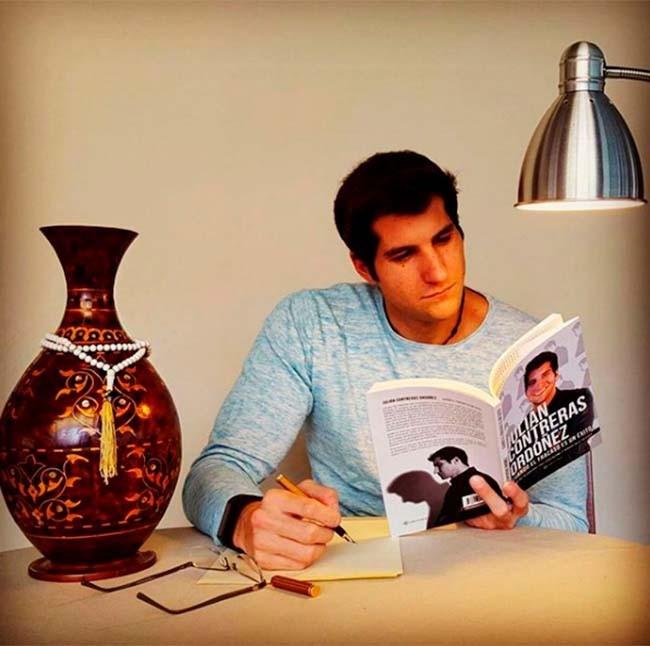 julian-esta-centrado-en-su-etapa-profesional-y-se-prepara-para-escribir-un-nuevo-libro