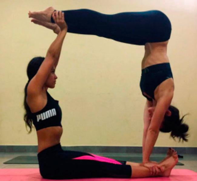 Las posturas imposibles de Cristina Pedroche practicando Yoga 1824601ef808