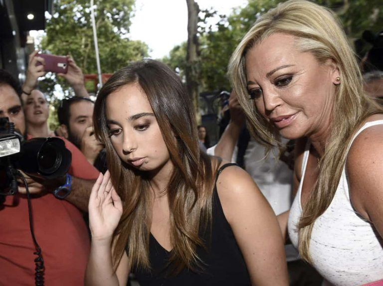 Fotos del día: la imagen con la que Belén Esteban recuerda la infancia de su hija, Andrea Janeiro (con dedicatoria incluida)