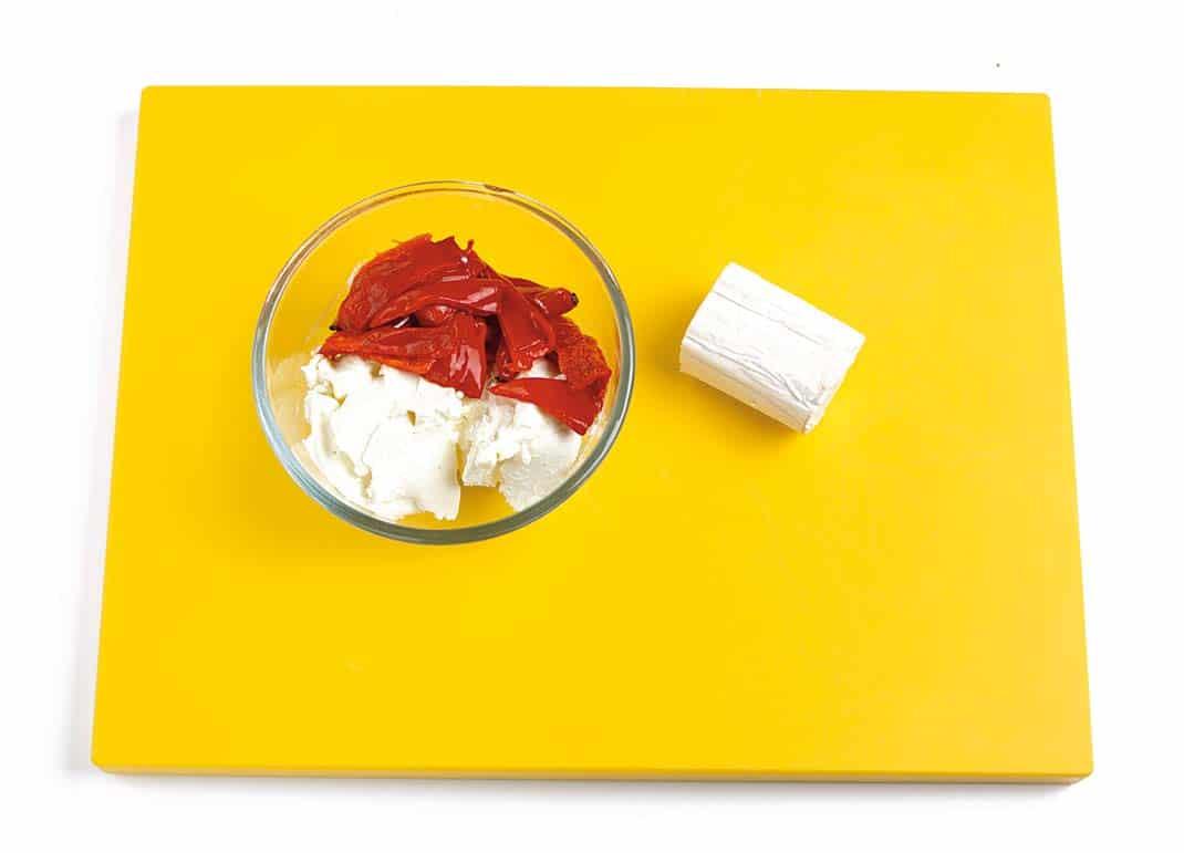 Chips-de-boniato-y-batata-con-crema-de-queso-y-pimientos-Paso-3