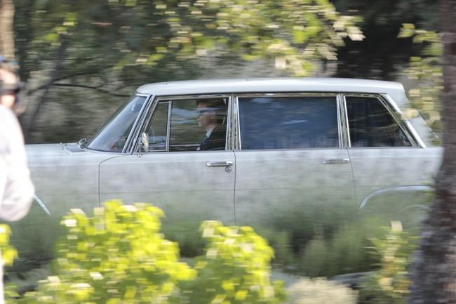 en-este-coche-clasico-llegaba-la-novia-estela-grande