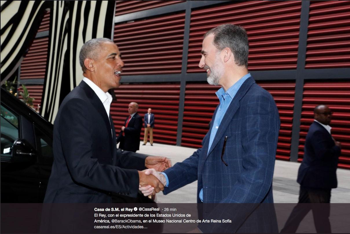 el-rey-ha-regalado-al-expresidente-estadounidense-un-libro-sobre-el-guernica-con-una-carinosa-dedicatoria
