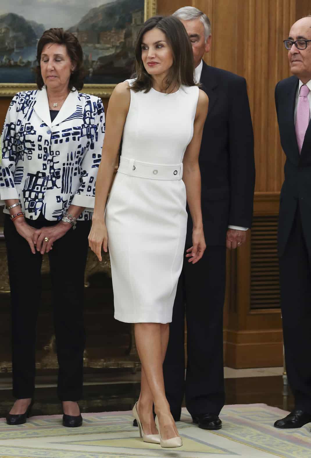e9f60504ee Reina Letizia  los 7 looks blancos con los que conquistó a la crítica