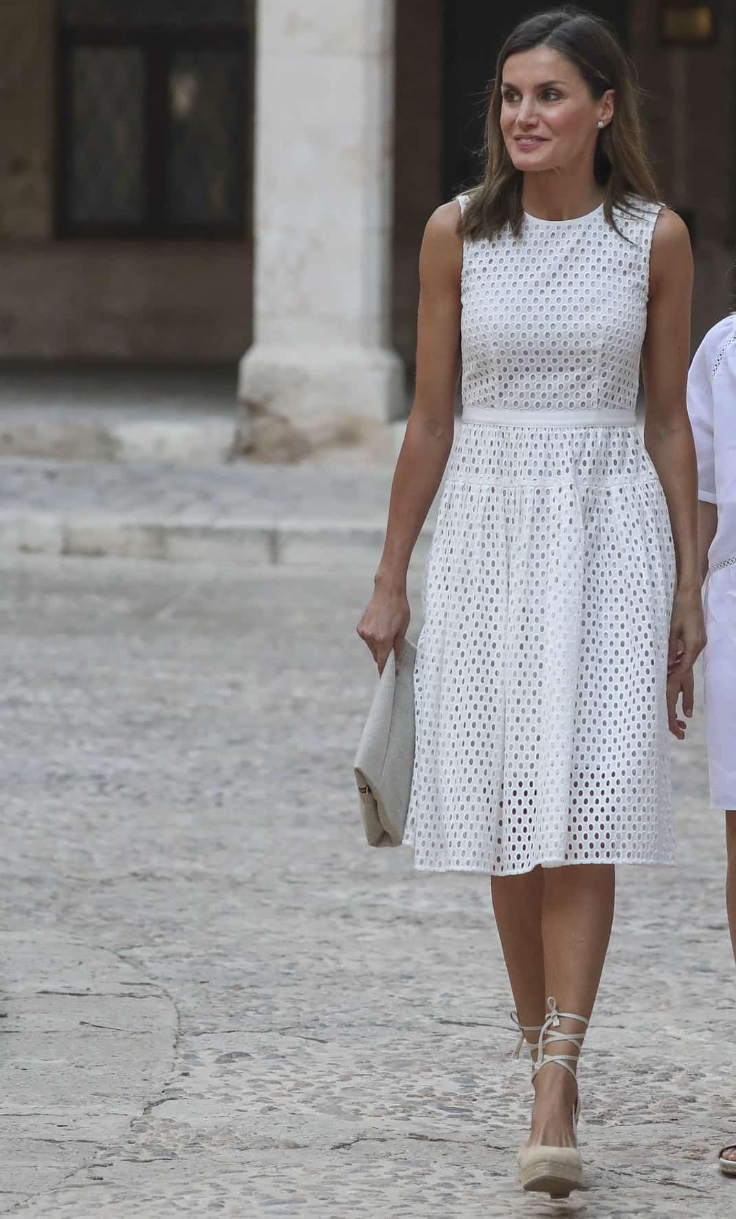 Reina Letizia Los 7 Looks Blancos Con Los Que Conquistó A
