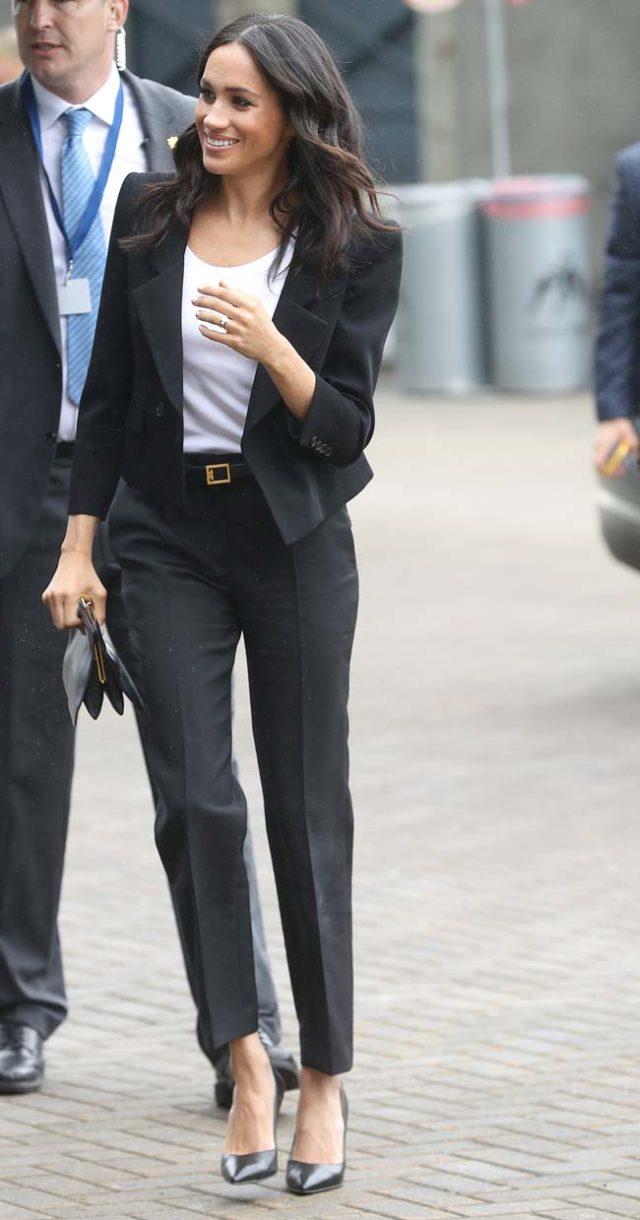 traje-de-pantalon-de-cintura-alta-de-givenchy-3-250-euros