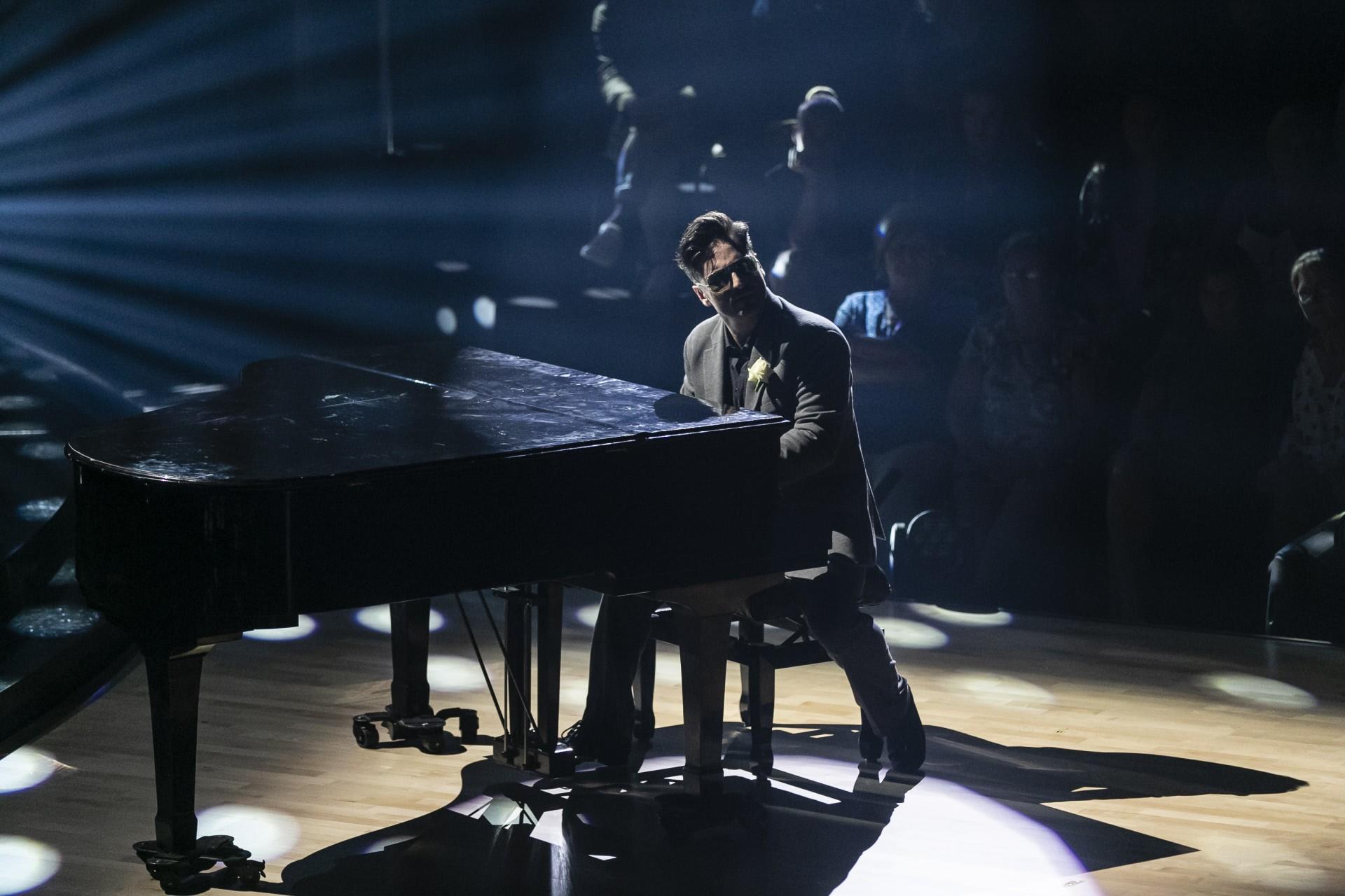 bustamante-se-atrevio-con-el-piano
