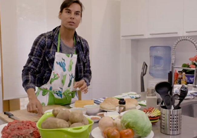 Julio Iglesias Jr. abre las puertas de su casa en 'Ven a cenar conmigo: Gourmet Edition'