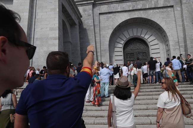 ademas-de-la-protesta-tambien-se-celebro-una-misa