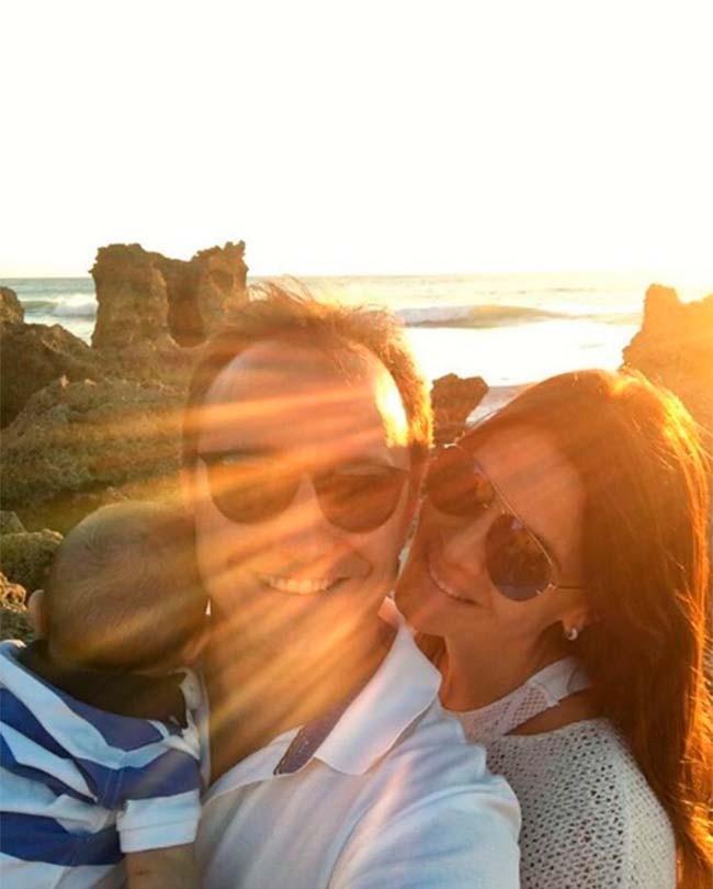 la-pareja-celebrara-su-boda-en-santorini-el-proximo-agosto