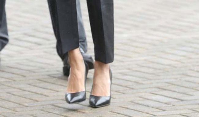 zapatos-de-charol-de-sarah-flint-350-euros