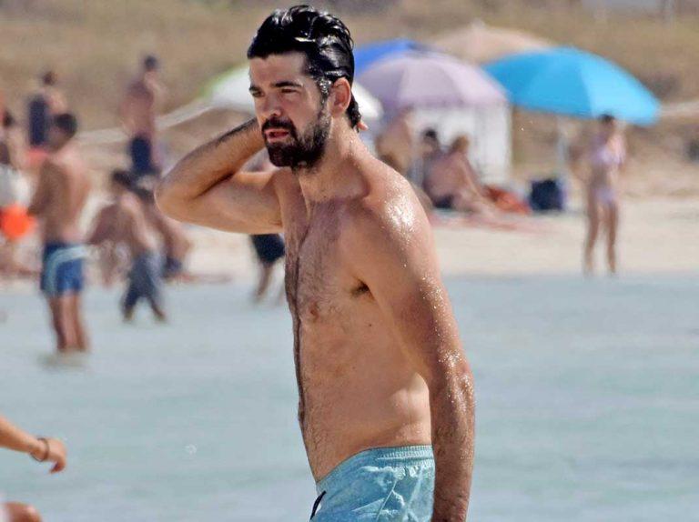 Miguel Angel Muñoz disfruta en Ibiza ajeno a los rumores de relación con Ana Guerra