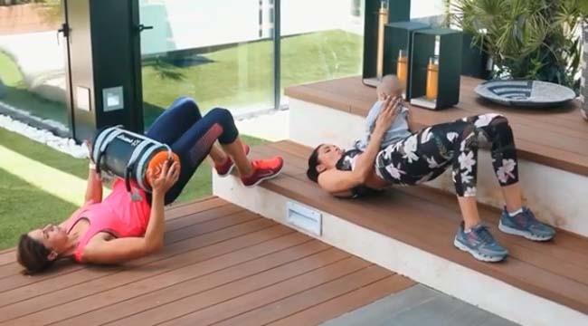 segun-ella-su-hijo-se-lo-pasa-en-grande-durante-los-ejercicios