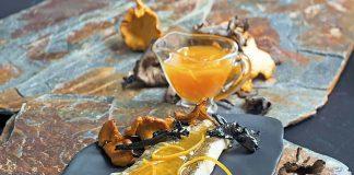 Lomos-de-bacalao-con-salsa-de-naranja-y-setas
