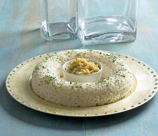Rosca-de-arroz-con-salsa-de-calabacines
