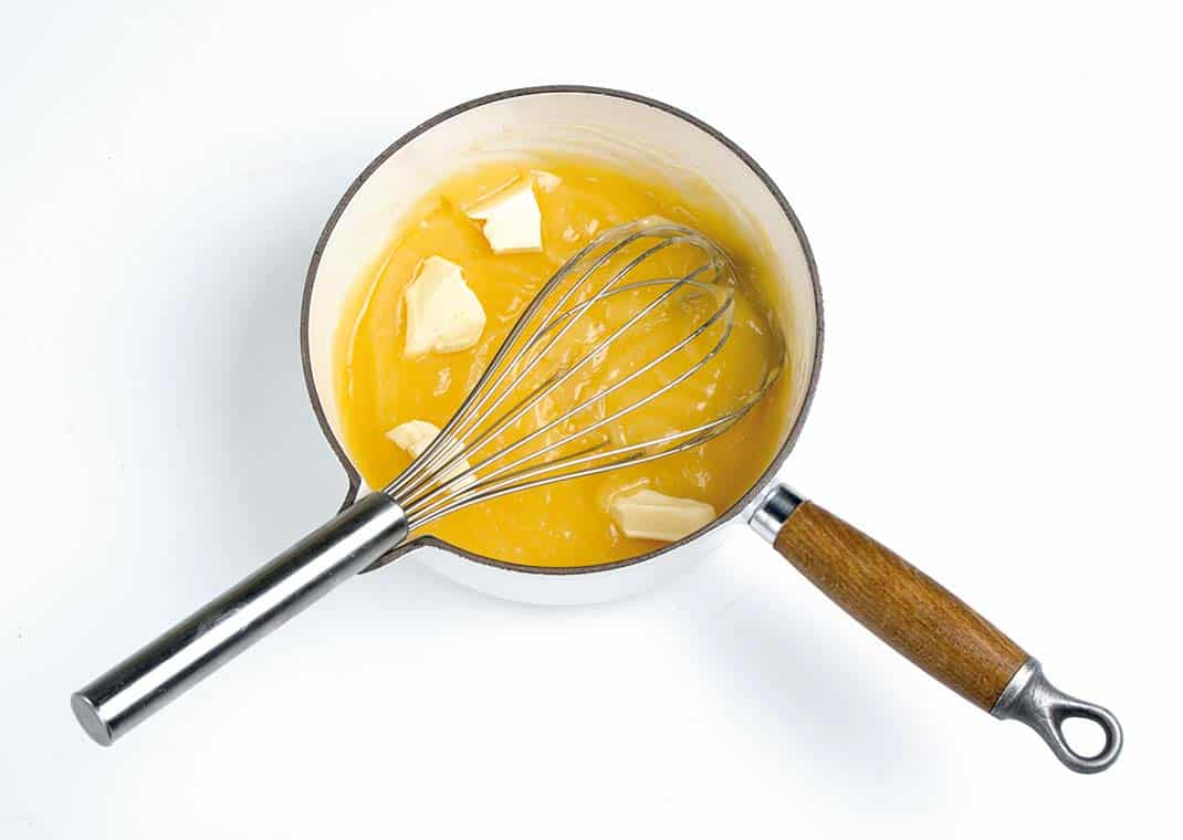 Tulipas con crema de limón y frutos rojos