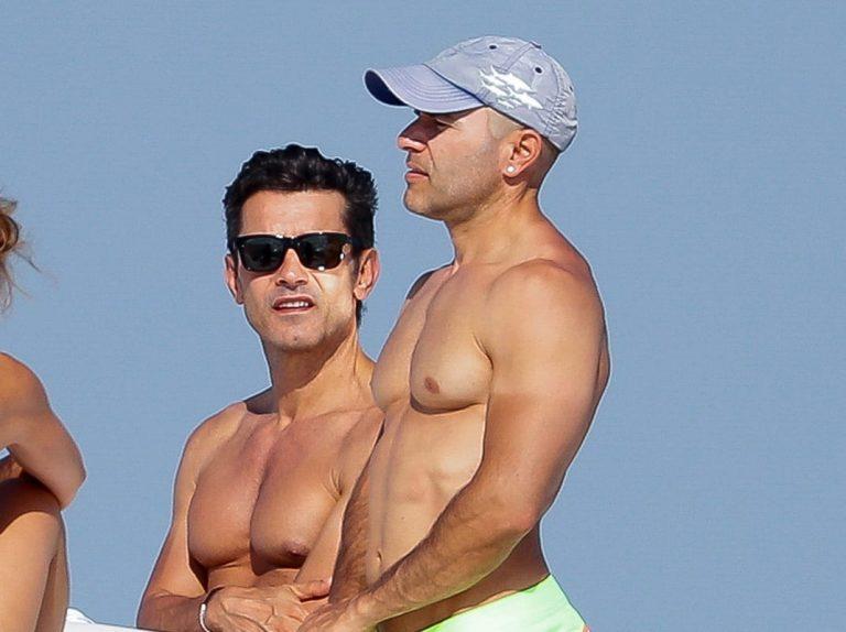 Jesús Vázquez y Roberto, dos cuerpazos en alta mar
