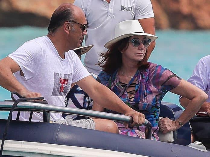 Ana Rosa Quintana y su marido retoman vacaciones tras la angustia vivida