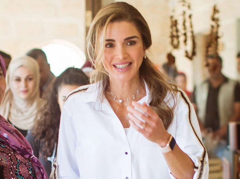 El comunicado de Rania de Jordania explicando sus gastos en moda