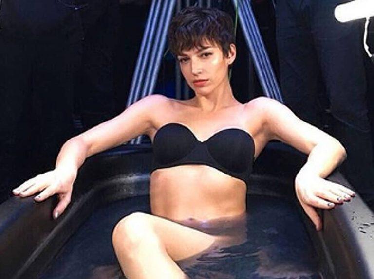 El topless con el que Úrsula Corberó ha incendiado las redes