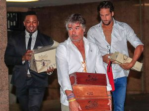 El regalo de casi 800 euros que ha recibido Feliciano López en botellas de vino