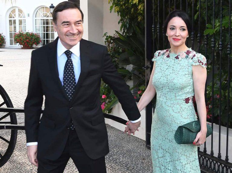 Pedro J. Ramírez y su esposa acuden al enlace de la heredera de Naturhouse
