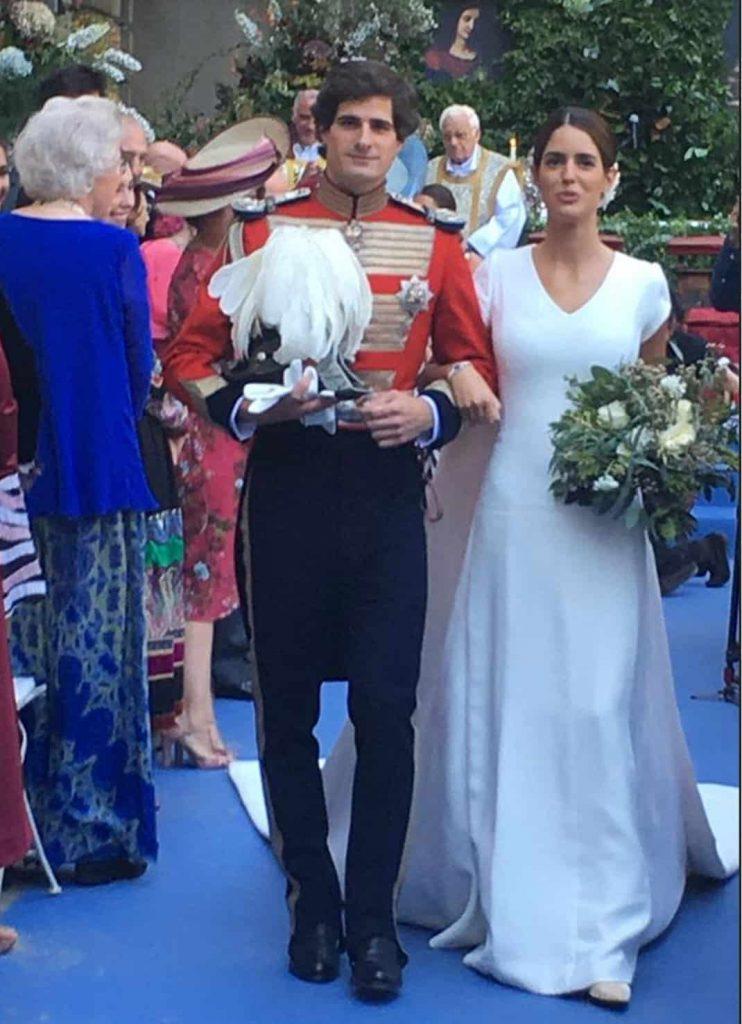 El vestido de novia que baila solo historia